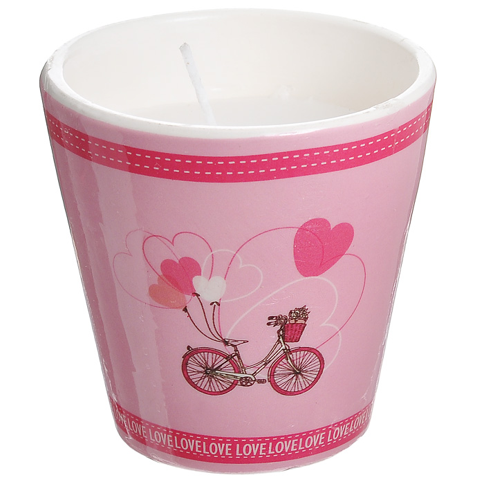 Декоративный подсвечник Велосипед, со свечой, цвет: розовый. 3130431304Декоративный подсвечник, изготовленный из керамики, оформлен изображением велосипеда с шариками в форме сердечек. Оригинальный дизайн и красочное исполнение создадут романтическое настроение.С таким украшением вы сможете не просто внести в интерьер своего дома элемент необычности, но и создать атмосферу загадочности и изысканности. Характеристики:Материал: керамика, воск. Цвет: розовый. Диаметр подсвечника: 7 см. Высота подсвечника: 7 см. Артикул: 31304.