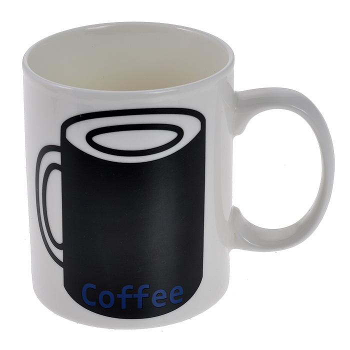 """Кружка """"Coffee Like"""" выполнена из высококачественной керамики белого цвета с рисунком черной кружки и надписью """"Coffee"""". Как только вы зальете в кружку горячую воду, рисунок изменится: вместо кружки появится рука с жестом """"Like"""".  Такая кружка поднимет вам настроение и вызовет улыбку у окружающих.   Подходит для использования в микроволновой печи. Нельзя использовать в посудомоечной машине, только ручная мойка. Безопасно для пищевых продуктов. Характеристики:  Материал: керамика. Цвет: белый. Диаметр кружки по верхнему краю: 7,5 см. Высота кружки: 9 см. Объем: 300 мл. Размер упаковки: 11 см х 9 см х 13,5 см. Артикул: 94917."""