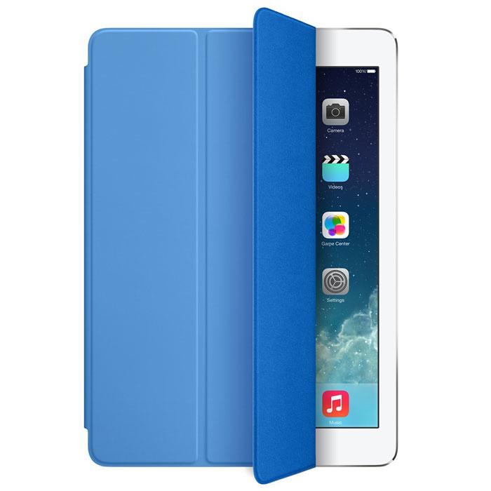 Apple iPad Smart Cover чехол для iPad Air, BlueMF054ZM/AЛёгкая и прочная обложка Apple iPad Smart Cover полностью обновлена, чтобы соответствовать дизайну iPad Air. Она защищает дисплей планшета, не закрывая заднюю часть алюминиевого корпуса. Поэтому Ваш iPad выглядит именно как iPad — только он лучше защищён.Обложка изготовлена из мягкого прочного полиуретана и доступна в шести ярких цветах. А её мягкая подкладка из микрофибры того же цвета помогает поддерживать экран в чистоте. Крепление обложки идеально прилегает к корпусу планшета, а магниты надёжно удерживают её. При открытии чехла-обложки iPad Air автоматически выходит из режима сна, а при закрытии моментально возвращается в режим сна.Обложка Smart Cover может служить подставкой для набора текста. Сложите её, чтобы установить iPad Air с удобным наклоном. Продуманная конструкция обложки Smart Cover также позволяет сложить её и превратить в идеальную подставку для общения в FaceTime и просмотра фильмов.