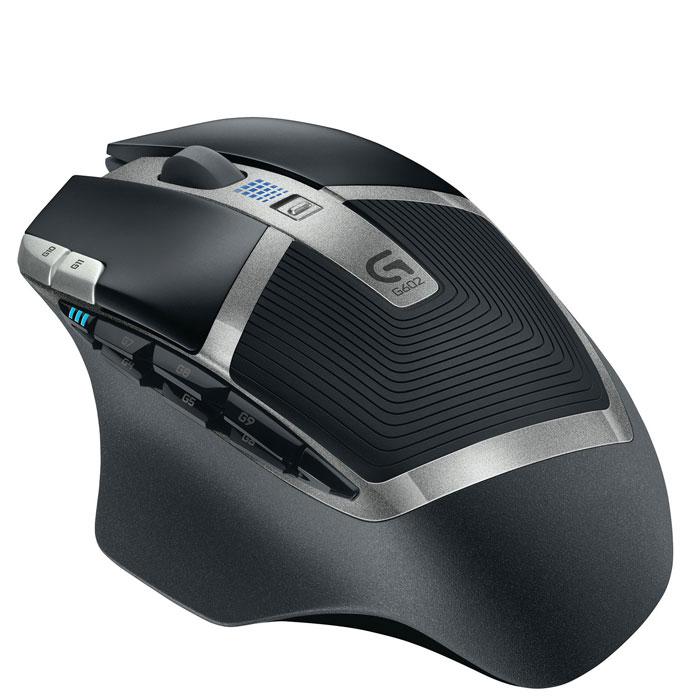 Logitech G602 (910-003821) мышь910-003821Игровая мышь Logitech G602.Ужесточение отраслевых стандартов: Мышь G602 меняет правила беспроводной игры благодаря сроку работы батареек до 250 часов. Эта мышь обеспечивает подлинно игровую производительность во всем, начиная от безукоризненной точности эксклюзивного датчика Delta Zero до высокопрочных основных переключателей и 11-ти программируемых элементов. Положитесь на G602 в схватках с боссами!У нее нет конкурентов: Играйте с уверенностью. Мышь G602 проведет вас от начала и до конца игры, ведь у нее в запасе заряда на 250 часов в производительном режиме. Это в восемь раз больше того, что предлагают обычные беспроводные модели, — с сохранением чувствительности датчика и качества связи игрового класса. G602 оснащается двумя стандартными батарейками AA, одну из которых можно убрать, чтобы скорректировать вес и баланс мыши.Почувствуйте вкус свободы: С этой мышью Вы забудете о задержках. G602 работает по беспроводной связи на частоте 2,4 ГГц с частотой опроса 2 мс. В отличие от приемников Logitech Unifying, предназначенных для подключения к нескольким устройствам, G602 использует всю полосу пропускания специального USB-наноприемника, чтобы обеспечить производительность игрового класса с минимальными задержками. Наноприемник можно расположить оптимальным образом с помощью удлинительного кабеля, включенного в комплект поставки. Кроме того, для его безопасной переноски предусмотрен специальный отдел в батарейном отсеке.Небывалые возможности: Наслаждайтесь отличными результатами с конфигурацией по умолчанию, или персонализируйте G602, настроив однокнопочные триггеры. Тогда вы сможете выполнять сложные действия, не прибегая к помощи меню. Например, чтобы упростить связь в режиме PTT. Или нажатием одной кнопки снизить разрешение для прицеливания. Переназначьте любую игровую команду или многокомандный макрос на одну из 11-ти программируемых кнопок, используя дополнительное ПО Logitech Gaming Software (LGS). Настроенный профиль можн