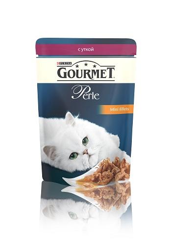 Консервы для кошек Gourmet Perle, мини-филе с уткой, 85 г12222486Ваша кошка - настоящий гурман, и порой ей сложно угодить. Корм Gourmet Perle - это изысканное угощение с превосходным вкусом, которым ваша кошка будет наслаждаться каждый день. Ваш гурман оценит нежнейшие кусочки с мясом или рыбой, приготовленные в аппетитном соусе.Корм Gourmet Perle - изысканное угощение на каждый день.Рекомендации по кормлению: Суточная норма: 3-4 пакетика в день для взрослой кошки (средний вес 4 кг), в два приема.Данная суточная норма рассчитана для умеренно активных взрослых кошек, живущих в условиях нормальной температуры окружающей среды. В зависимости от индивидуальных потребностей кошки норма кормления может быть скорректирована для поддержания нормального веса вашей кошки.Подавайте корм комнатной температуры. Следите, чтобы у вашей кошки всегда была чистая, свежая питьевая вода.Условия хранения: Закрытый пакетик хранить в сухом прохладном месте. После открытия продукт хранить в холодильнике максимум 24 часа.Состав: мясо и продукты переработки мяса (в том числе утки 4%), экстракт растительного белка, рыба и продукты переработки рыбы, минеральные вещества, сахара, витамины, красители.Добавленные вещества: МЕ/кг: витамин A: 800; витамин D3: 120; витамин Е: 18; мг/кг: железо: 9; йод: 0,2; медь: 0,8; марганец: 1,8; цинк: 15.Гарантируемые показатели: влажность 79,0%, белок 14,0%, жир 2,5%, сырая зола 2,2%, сырая клетчатка 0,5%.Вес: 85 г.Товар сертифицирован.