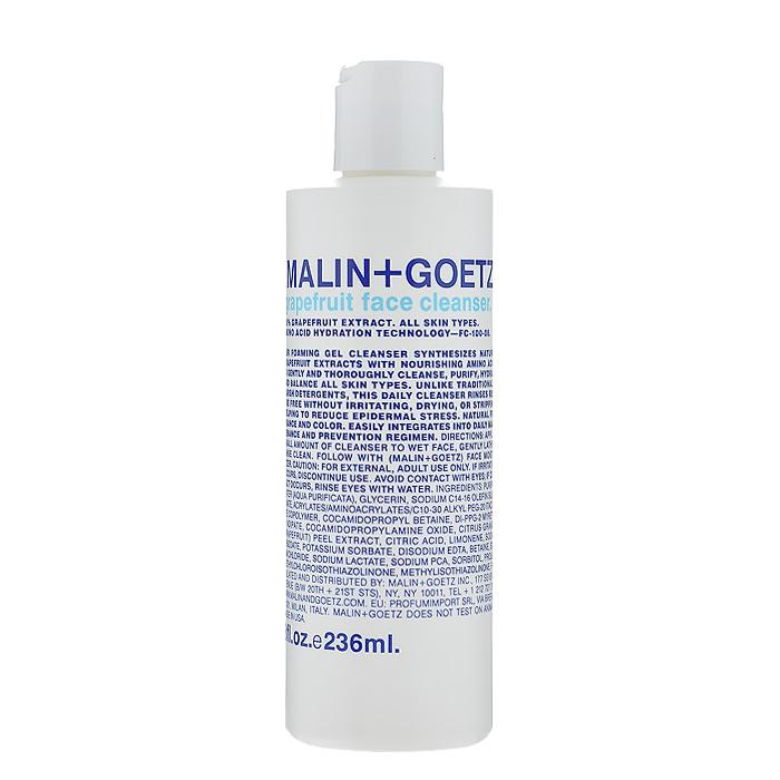 Malin+Goetz Гель для умывания Грейпфрут, 236 млMG055Этот нежный пенящийся очищающий гель Malin+Goetz Грейпфрут, предназначенный для ежедневного использования, подходит как для женщин, так и для мужчин и сочетает натуральный экстракт грейпфрута и очищающие вещества на основе аминокислот. В отличие от традиционных грубых очищающих средств, которые могут повредить и вызвать сухость и раздражение, эта формула нежно и тщательно очищает и увлажняет, поддерживая рН-баланс любого типа кожи, особенно чувствительной. Удаляет макияж, в том числе макияж глаз. Полностью смывается водой, устраняя необходимость использования тоника. Имеет натуральный аромат и цвет. Характеристики:Объем: 236 мл. Производитель: США. Товар сертифицирован.