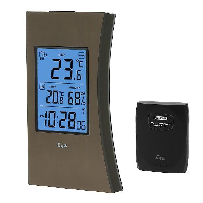 Ea2 ED602 Edge термометрED602Электронный термометр Ea2 ED602выполнен в виде тонких проекционных часов с функцией измерения температуры в помещении и на улице. Передача данных осуществляется на расстоянии до 30 метров.Календарь до 2099 годаВыбор единицы измерения температуры °C/°FИндикатор низкого уровня заряда батарейКрепление на стену или подставкаОдин дистанционный термодатчик в комплектеЧастота радиосигнала: 433 МГцРадиус передачи данных: 30 метровПитание: 3 х ААА (основной блок), 2 х ААА (датчик)Можно использовать дополнительные датчики Ea2 BL999