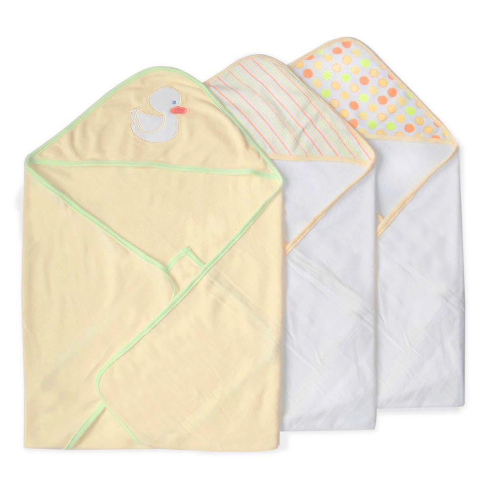 Набор полотенец с капюшоном Уточка, цвет: желтый, 66 см х 76 см, 3 шт301-004Набор полотенец с капюшоном Уточка идеально подойдет для ухода за ребенком, подарит ему мягкость и необыкновенный комфорт. В набор входят три махровых полотенца: два белого цвета, капюшон оформлен разноцветными кружочками или полосками, третье - желтого цвета, декорированное аппликацией в виде белой уточки. Полотенце с капюшоном позволяет полностью завернуть малыша после купания. Оно очень нежное и приятное на ощупь, а также обладает легким массирующим эффектом, отлично впитывает влагу и быстро сохнет. В полотенце с капюшоном вашему малышу будет тепло и сухо.Характеристики:Материал: 80% хлопок, 20% полиэстер. Размер полотенца: 66 см х 76 см. Изготовитель: Китай.
