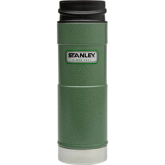 Термостакан Stanley Classic Mug, цвет: темно-зеленый, 0,47 л10-01394-013Вакуумный герметичный термостакан Stanley Classic Mug выполнен из нержавеющей стали. Он удобен для эксплуатации в автомобиле, так как позволяет одной рукой открывать,закрывать и пить, не отвлекаясь от дороги - просто нажмите кнопку и пейте, отпустите кнопку и клапан герметично закроется. Термостакан сохраняет тепло в течение 6 часов, холод - до 24 часов.Стильный функциональный термостакан будет незаменим в дороге, на пикнике. Его можно взять с собой куда угодно, и вы всегда сможете наслаждаться горячим домашним напитком.Гарантийный срок 5 лет. Возврат товара возможен только через сервисный центр.Гарантийный центр:м. ВДНХ, Ботанический сад 129223, г. Москва, Проспект Мира, 119, ВВЦ, строение 323+7 495 974 3494service@omegatool.ru Время работы сервисного центра: Пн-чт: 10.00-18.00Пт: 10.00- 17.00Сб, Вс: выходные дни