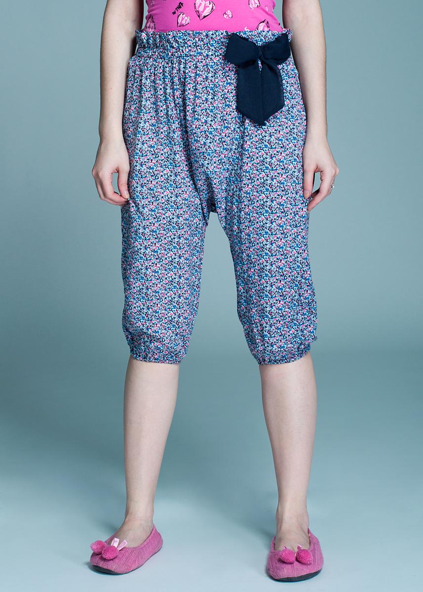 Брюки женские Sugarelle, цвет: мультиколор. 638_002_43766. Размер S638_002Стильные женские брюки изготовлены из вискозы. Мягкие и приятные на ощупь. Укороченные брюки в стиле афгани не сковывают движения, обеспечивая наибольший комфорт. Широкий пояс и манжеты дополнены плотной резинкой. На поясе модель декорирована кокетливым бантиком. Эти комфортные брюки послужат отличным дополнением к вашему гардеробу.