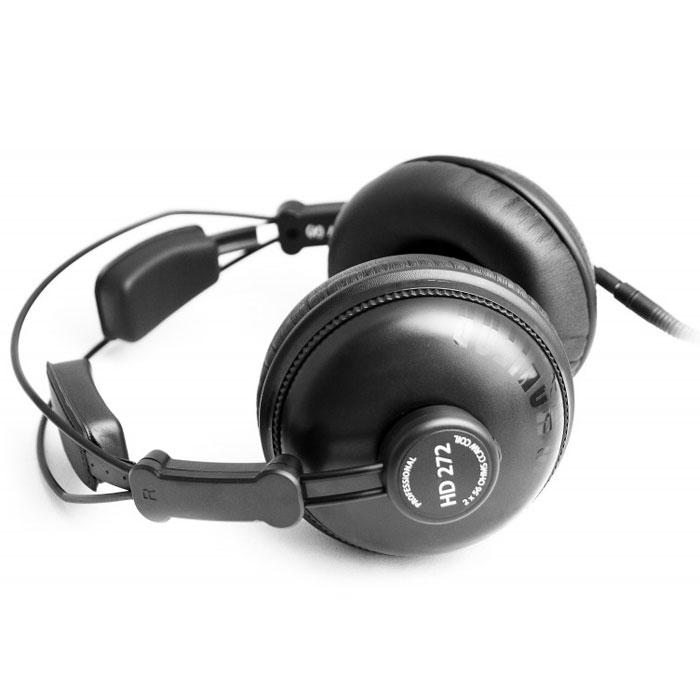 Axelvox HD272 наушникиHD272Закрытые профессиональные динамические наушники Axelvox HD272 предлагают не только точный, чистый и мощный звук, но также эффективную защиту от внешнего шума. Запатентованная износостойкая конструкция обеспечит длительную и комфортную эксплуатацию. HD272 имеют 2 съемных прямых кабеля: короткий (1 метр) для персонального и мобильных применений, и длинный (3 метра) для профессионального мониторинга. Кабели могут быть соединены друг с другом, если это необходимо, в этом случае вы получите кабель длинной 4 метра. В комплект входит кабельный зажим, предохраняющий съемный кабель от случайного отсоединения.