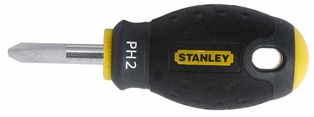 Отвертка крестовая Stanley FatMax, PH2 х 30 мм1-65-407Отвертка крестовая Stanley FatMax предназначена для монтажа/демонтажа резьбовых соединений с применением значительных усилий.Особенности:Стержень изготовлен из хромованадиевой стали для высокой прочности и уменьшения вероятности сколов;Рукоятка отлита поверх стержня, что образует практически неразрушимое соединение деталей;Большая удобная рукоятка обеспечивает большой момент и максимальный комфорт при работе;Сужение рукоятки обеспечивает более высокий уровень контроля отвертки, когда требуется повышенная скорость и точность прикладываемого момента;Дробеструйная обработка помогает защитить жало от коррозии и прикладывать больший момент;Гладкий куполовидный край рукоятки обеспечивает высокую скорость и комфорт при работе;Цветовая маркировка рукоятки помогает правильно идентифицировать тип отвертки под соответствующий шлиц. Характеристики: Материал: пластик, металл. Длина жала: 3 см. Длина ручки: 6 см. Размеры упаковки: 9 см х 3 см х 3 см.