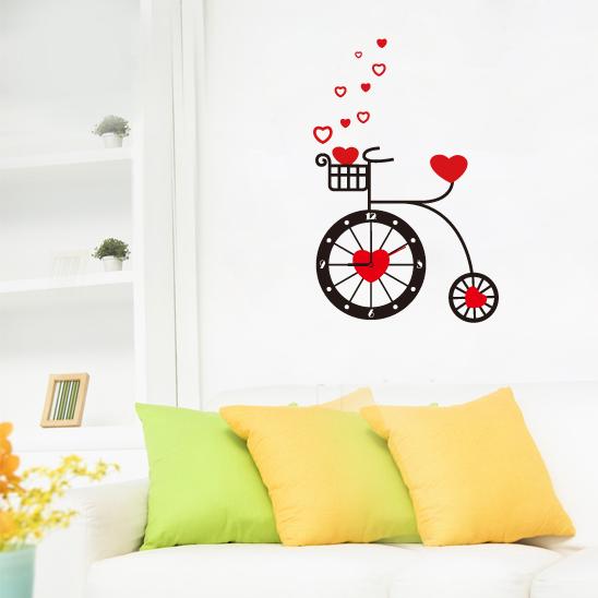 Настенные декоративные часы-стикеры Perfecto Велосипед. GLM-T007GLM-T007Настенные декоративные часы-стикеры Велосипед добавят в интерьер вашего дома оригинальности. Часы представляют собой стикер, выполненный из винила - тонкого эластичного материала, который хорошо прилегает к любым гладким и чистым поверхностям, легко моется и долго держится, после удаления не оставляет следов. Циферблат выполнен из плотного картона и имеет три стрелки - часовую, минутную и секундную, клеится к поверхности также при помощи стикера.Такие часы станут интересным дизайнерским решением не только спальни, гостиной или детской, но также и офиса. Характеристики: Материал: винил, пластик, картон. Цвет: черный, красный. Диаметр циферблата: 9,5 см. Размер упаковки: 18,5 см х 32 см х 4 см. Артикул: GLM-T007. Рекомендуется докупить одну батарейку типа АА, в комплект не входит.
