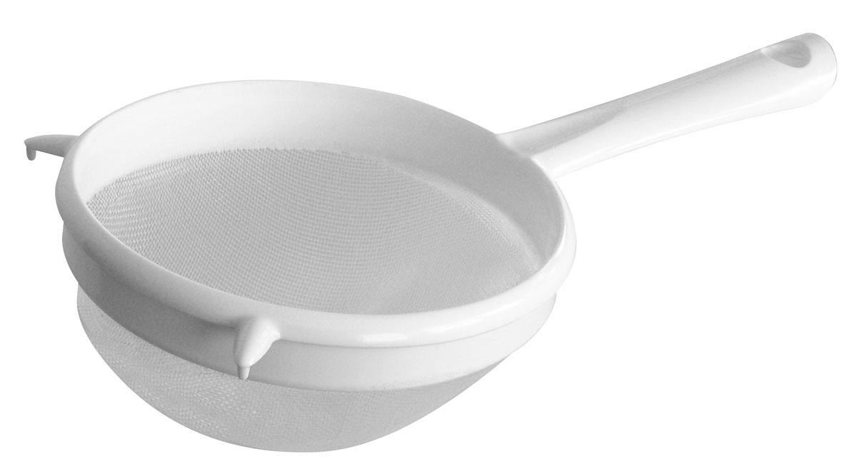 """Сито Fackelmann """"Arcadalina"""" изготовлено из пластика белого цвета. Прочная сетка из полипропилена и удобная ручка обеспечивают изделию износостойкость и долговечность. Сито предназначено для процеживания, просеивания муки и других сыпучих продуктов, промывания круп, ягод и т.д. На конце ручки имеется небольшое отверстие, за которое сито можно подвесить в любом удобном для вас месте. Практичное и удобное сито Fackelmann """"Arcadalina"""" займет достойное место среди аксессуаров на вашей кухне.   Характеристики:Материал: пластик. Цвет: белый. Диаметр сита: 17 см. Длина ручки: 15 см. Артикул: 49243."""