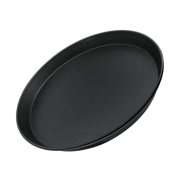 """Форма для пиццы Zenker """"Black"""" выполнена из углеродистой стали с антипригарным покрытием DuPont Teflon. Форма плоская, благодаря чему на ней удобно готовить пиццу. Блюда не пригорают и не прилипают к стенкам. Такая форма значительно экономит время по сравнению с аналогичными формами для выпечки. С формой для выпечки Zenker """"Black"""" готовить любимые блюда станет еще проще. Перед первым применением форму вымыть и смазать маслом. Максимальная температура нагрева 230°С. Не резать форму ножом.   Характеристики: Материал: углеродистая сталь. Диаметр формы: 30 см. Высота стенки: 3 см. Цвет: черный. Артикул: 6533."""