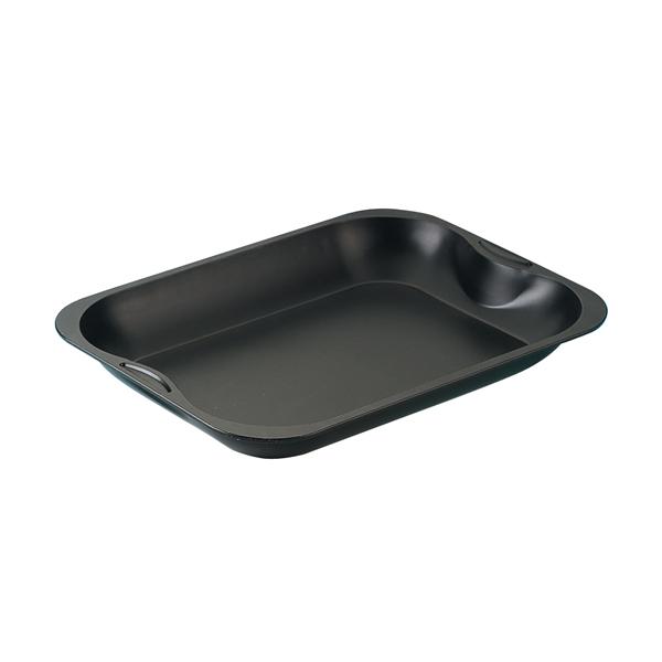 Форма для запекания Zenker Special, цвет: черный, 40 х 30 х 5см7212Форма для выпечки Zenker Special выполнена из углеродистой стали с антипригарным покрытием Ilag Ilaflon. Форма предназначена для запекания в духовке, прекрасно подойдет для приготовления жаркого, лазаньи, курицы и другого. Блюда не пригорают и не прилипают к стенкам. Форма оснащена удобными ручками с выемками, позволяющими использовать точно такую же форму в качестве крышки. С формой для запекания Zenker Special готовить любимые блюда станет еще проще. Перед первым применением форму вымыть и смазать маслом. Максимальная температура нагрева 230°С. Не резать форму ножом. Характеристики: Материал: углеродистая сталь. Внутренний размер формы: 28 см х 38 см. Общий размер формы: 40 см х 30 см. Высота стенки: 5 см. Цвет: черный. Артикул: 7212.