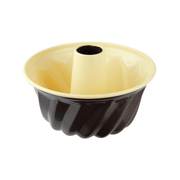 Форма для выпечки кекса Zenker Choco-Vanila, диаметр 18 см7305Форма для выпечки Zenker Choco-Vanila выполнена из углеродистой стали с антипригарным покрытием Ilag Ilaflon. Форма имеет специальную конструкцию, предназначенную для выпечки кексов. Внутренние стенки формы рельефные, что придает кулинарным изделиям аппетитный внешний вид. Блюда не пригорают и не прилипают к стенкам. Такая форма значительно экономит время по сравнению с аналогичными формами для выпечки.С формой для выпечки кексов Zenker Choco-Vanila готовить любимые блюда станет еще проще. Перед первым применением форму вымыть и смазать маслом. Максимальная температура нагрева 180°С. Не резать форму ножом. Характеристики: Материал: углеродистая сталь. Диаметр формы: 18 см. Высота стенки: 11,5 см. Цвет: ваниль, шоколад. Артикул: 7305.