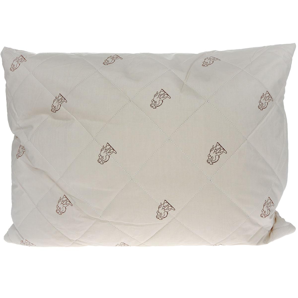 """Подушка OL-Tex """"Верблюд"""" создаст комфорт и уют во время сна. Стеганый чехол подушки  выполнен из высококачественного плотного материала тик (100% хлопок). Чехол  продублирован пластом из волокна на основе верблюжьей  шерсти с полиэстером. Основной наполнитель подушки - высокосиликонизированное  микроволокно OL-tex.  Особенности наполнителя: - исключительные терморегулирующие свойства; - высокое качество прочеса и промывки шерсти; - великолепные ощущения комфорта и уюта.  Верблюжья шерсть - обладает целебными качествами, содержит  наиболее высокий процент ланолина (животного воска), благоприятно воздействующего  на организм по целому ряду показателей: оказывает благотворное действие на  мышцы, суставы, позвоночник, нормализует кровообращение, имеет профилактический  эффект при заболевания опорно-двигательного аппарата. Кроме того, верблюжья  шерсть антистатична.  Вес наполнителя: 600 г. Уважаемые клиенты! Товар представлен в цветовом ассортименте. Отгрузка производится из имеющихся в наличии цветов."""