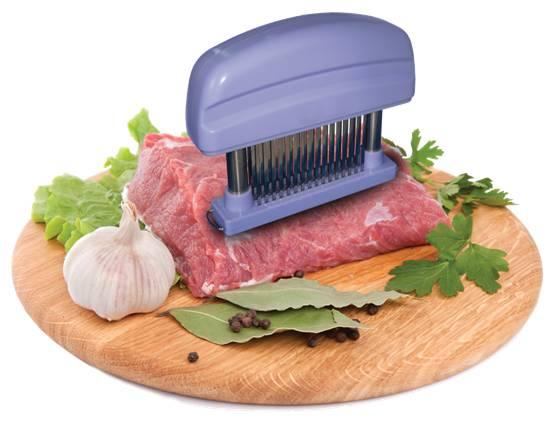 Размягчитель мяса Bio Vie, цвет: лавандаBV1075Размягчитель мяса Bio Vie - это ручной аппарат для приготовления высококачественных отбивных. Подходит для всех видов мяса, курицы и птицы. Улучшает вкус и текстуру, не нарушая внешнего вида. Размягчитель имеет 48 зубцов из нержавеющей стали и прозрачную насадку для безопасного хранения, корпус из пластика цвета лаванды оснащен выемками для удобного использования.Такой размягчитель непременно пригодится на любой кухне: он сделает процесс приготовления отбивных намного проще, а мясо получится вкуснее. Характеристики: Материал: пластик, нержавеющая сталь. Цвет: лаванда. Размер размягчителя (ДхШхВ): 15 см х 3 см х 11 см. Размер упаковки: 12 см х 15,5 см х 4 см. Артикул: BV1075.