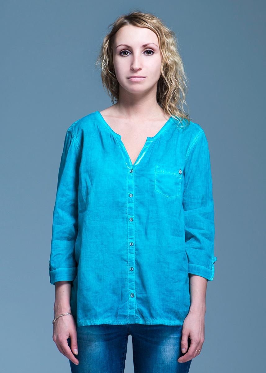 Блуза женская Comma, цвет: бирюзовый. 88.304.19.5730 Размер 34 (40)88.304.19.5730Стильная женская блуза Comma, выполненная из высококачественного материала, обладает высокой теплопроводностью, воздухопроницаемостью и гигроскопичностью, позволяет коже дышать, тем самым обеспечивая наибольший комфорт при носке. Блуза прямого кроя с рукавами 3/4, полукруглым низом застегивается на пуговицы. Модель дополнена на груди двумя накладным карманом. Сзади, в районе талии затягивается кулиской.Такая блуза будет дарить вам комфорт в течение всего дня и послужит замечательным дополнением к вашему гардеробу.
