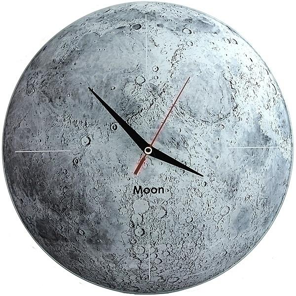 Часы настенные Луна, стеклянные, цвет: серый. 9530295302Оригинальные настенные часы Луна круглой формы выполнены из стекла и оформлены изображением луны. Часы имеют три стрелки - часовую, минутную и секундную. Циферблат часов не защищен. Необычное дизайнерское решение и качество исполнения придутся по вкусу каждому.Оформите совой дом таким интерьерным аксессуаром или преподнесите его в качестве презента друзьям, и они оценят ваш оригинальный вкус и неординарность подарка. Характеристики:Материал: пластик, стекло. Диаметр часов: 28 см. Размер упаковки: 30 см х 21,5 см х 4,5 см. Артикул: 95302. Работают от батарейки типа АА (в комплект не входит).