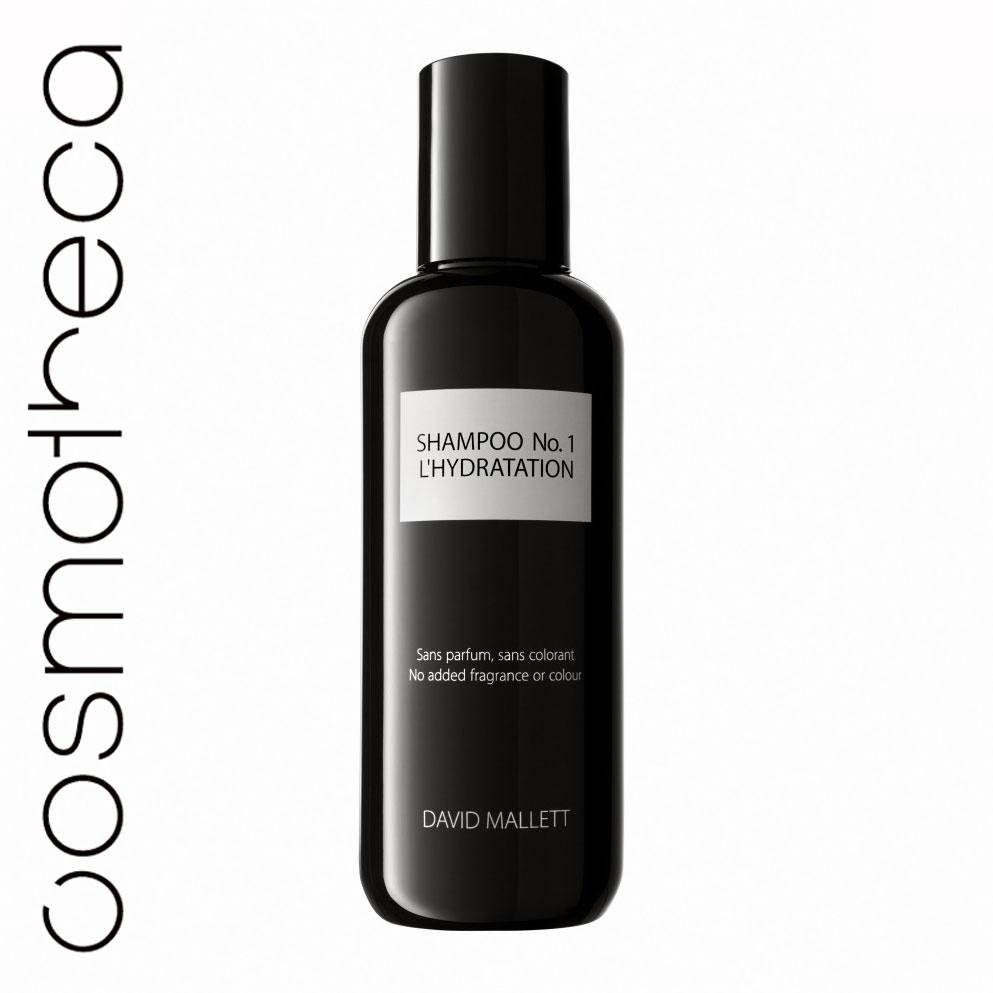David Mallett Шампунь для волос, увлажняющий, 250 млDMSHA01Шампунь, разработанный для всех типов волос, в частности, для волос, которые были пересушены, испытывают усталость от постоянных процедур и укладок, или часто сушатся феном.В составе только чистые пенящиеся вещества, не содержит агрессивных химических веществ, которые могли бы вызвать раздражение у чувствительной кожи. Шампунь подготавливает волосы к глубокому проникновению жидкости в их структуру, раскрывая волосяные кутикулы. Активный ингредиент - очищенное масло ореха макадамия.Шампунь David Mallett сделает ваши волосы чистыми и насыщенными энергией. Характеристики:Объем: 250 мл. Артикул: DMSHA01. Производитель: Франция. Товар сертифицирован.