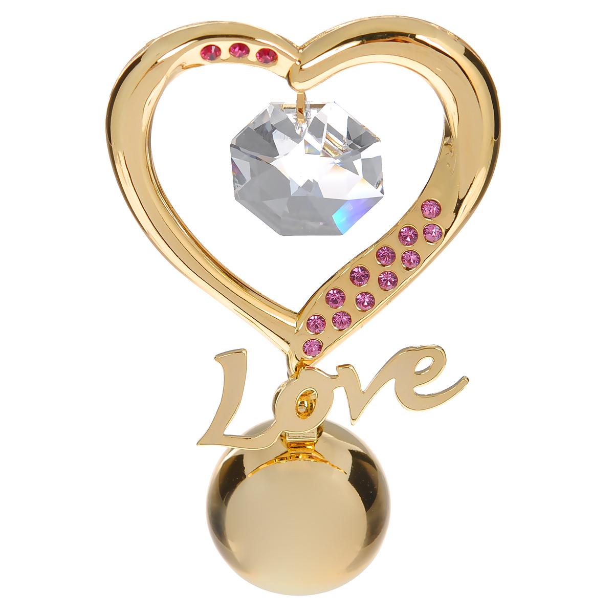 Фигурка декоративная Сердце, цвет: золотистый, розовый. 6719167191Притягательный блеск и невероятная утонченность декоративной фигурки Сердце великолепно дополнят интерьер и, несомненно, не останутся без внимания. Фигурка выполнена из металла с блестящим золотистым покрытием в виде сердечка на шаровидной подставке, украшена надписью Love и стразами и кристаллом Swarovski. Декоративная фигурка Сердце послужит прекрасным подарком ценителю изысканных и элегантных вещиц. Характеристики:Материал: металл, кристаллы Swarovski. Размер фигурки: 4 см х 0,5 см х 7,5 см. Цвет: золотистый, розовый. Артикул: 67191.