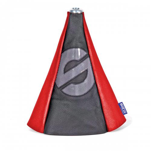 Чехол на рычаг КПП Sparco, универсальный, цвет: черный, красный. SPC/GN-COV BK/RDSPC/GN-COV BK/RDУниверсальный чехол на рычаг КПП Sparco, выполненный из экокожи красного цвета, станет привлекательным и практичным элементом оформления салона автомобиля. Аксессуар защищает рычаг от повреждений и помогает быстро и без усилий придать интерьеру эксклюзивные и динамичные черты. Основание чехла крепится на эластичную стяжку, а верхняя часть фиксируется под рукояткой рычага КПП на металлическую шайбу. Такой способ установки позволяет использовать аксессуар с любыми рычагами КПП (с механическими и автоматическими), а также с теми, которые в отдельных случаях, например, при включении заднего хода, необходимо вытягивать вверх.Характеристики: Материал: экокожа. Цвет: черный, красный. Высота чехла: 25 см. Размер упаковки: 31 см х 15 см х 4,5 см. Артикул: SPC/GN-COV BK/RD.