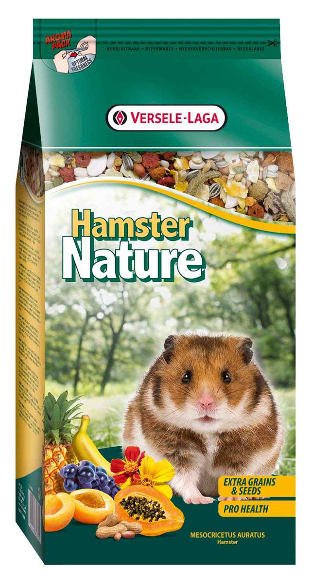 Корм для хомяков Versele-Laga Hamster Nature, 750 г461364Versele-Laga Hamster Nature - это полноценный основной корм для хомяков, разработанный в соответствии с их пищевыми потребностями. Это высококачественная смесь природных компонентов, которая содержит все необходимые для организма питательные вещества, витамины, минералы и аминокислоты, необходимые для жизнерадостной и здоровой жизни вашего питомца. Versele-Laga Hamster Nature содержит дополнительное количество зерна, семян, орехов, фруктов, трав, овощей и добавок, важных для здоровья: обеспечивает превосходное пищеварение, гигиену полости рта, сияющую шерсть и великолепное здоровье. Широкое разнообразие ингредиентов гарантирует превосходный вкус и усвояемость.Указания к использованиюРекомендуемая дневная порция для хомяка составляет приблизительно 15 грамм. Обеспечивайте вашему питомцу свежий корм и питьевую воду ежедневно.Состав: злаки, овощи, продукты растительного происхождения, семена, фрукты, экстракты растительного белка, орехи, минералы, дрожжи, фруктоолигосахариды, травы, экстракт календулы, календула.Анализ состава: 17% белки, 8,5% жиры, 7% сырая клетчатка, 4% сырая зола, 0,45% кальций, 0,45% фосфор, 0,79% лизин, 0,33% метионин. Добавки на кг: витамин А 12000 МЕ, витамин D3 1500 МЕ, витамин Е 40 мг, сульфат меди (II) 9 мг.Вес: 750 г.Товар сертифицирован.