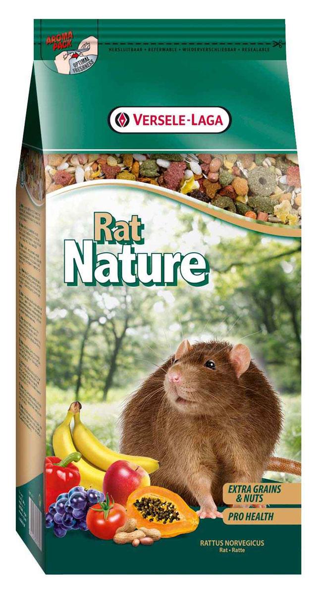Корм для крыс Versele-Laga Rat Nature, 750 г461370Корм Versele-Laga Rat Nature - это полноценный основной корм для крыс, разработанный в соответствии с их пищевыми потребностями. Это высококачественная смесь природных компонентов, которая содержит все необходимые для организма питательные вещества, витамины, минералы и аминокислоты, необходимые для жизнерадостной и здоровой жизни вашего питомца. Rat Nature содержит дополнительное количество зерен, семян, орехов, фруктов, трав, овощей и добавок, важных для здоровья: обеспечивает превосходное пищеварение, гигиену полости рта, сияющую шерсть и великолепное здоровье. Широкое разнообразие ингредиентов гарантирует превосходный вкус и усвояемость.Указания к использованиюРекомендуемая дневная порция для крысы составляет приблизительно 15 грамм. Обеспечивайте вашему питомцу свежий корм и питьевую воду ежедневно.Состав: злаки, продукты растительного происхождения, экстракты растительного белка, семена, овощи, орехи, семена, фрукты, масла и жиры, минералы, дрожжи, фруктоолигосахариды, календула, морские водоросли, экстракт календулы, экстракт юкки, травы, маннанолигосахариды, экстракт косточек винограда.Анализ состава: 17,5% белки, 9% жиры, 7% сырая клетчатка, 5% сырая зола, 0,6% кальций, 0,45% фосфор, 0,81% лизин, 0,4% метионин. Добавки на кг: витамин А 12000 МЕ, витамин D3 1500 МЕ, витамин Е 30 мг, сульфат меди (II) 9 мг.Вес: 750 г.Товар сертифицирован.