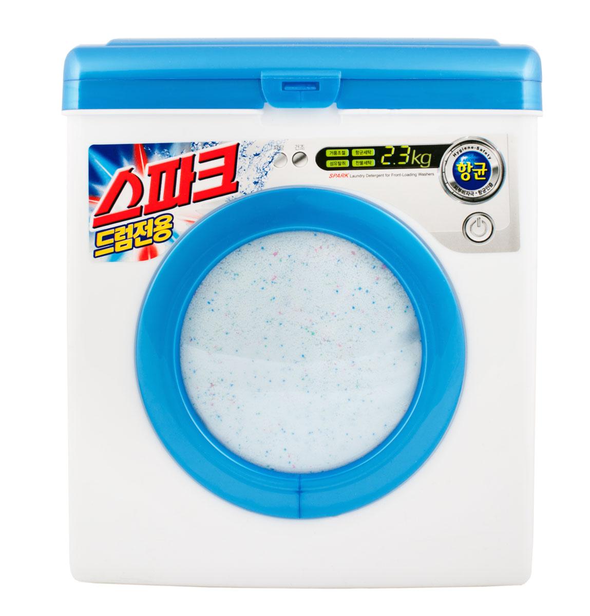 Стиральный порошок Spark Drum, с кислородным отбеливателем, 2,3 кг867853Стиральный порошок Spark Drum подходит для автоматических стиральных машин любого типа и ручной стирки.Упаковка стирального порошка Spark Drum выполнена в виде стиральной машины белого цвета.Порошок отстирывает и удаляет въевшиеся пятна даже в холодной воде. Система двойного контроля пенообразования облегчает процесс полоскания, что экономит воду и время. Порошок легко решает проблему сушки белья. Благодаря входящим в состав активным ферментам и экстракту хвои, которые удаляют бактерии, являющиеся причиной неприятного запаха, белье можно сушить в непроветриваемых помещениях. Пластиковая упаковка не боится влаги.Порошок не содержит фосфатов. Товар сертифицирован.