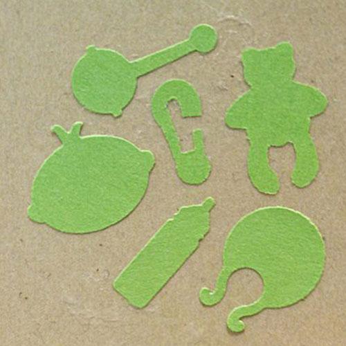 Фигурный дырокол 6в1 Craft Premier Детская коллекция. CP03689CP03689Фигурный дырокол Craft Premier Детская коллекция предназначен для создания творческих работ в технике скрапбукинг: оформления оригинальных открыток, украшения подарочных коробок, конвертов, фотоальбомов. Дырокол одним нажатием вырезает из бумаги сразу 6 идеально ровных фигурок: медвежонок, бутылочка, погремушка, слюнявчик, личико. Порядок работы: вставьте лист бумаги или картона в дырокол и надавите рычаг.Характеристики: Материал: пластик, металл. Общий размер дырокола: 8 см х 5,5 см х 7 см. Размер медвежонка: 1,1 см х 1,5 см. Размер упаковки: 10 см х 14,5 см х 8 см. Артикул: CP03689.