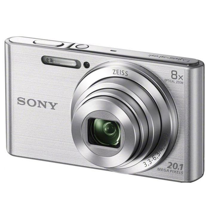 Sony Cyber-shot DSC-W830, Silver цифровой фотоаппаратDSCW830S.RU3Компактная камера Sony Cyber-shot DSC-W830 с 8-кратным оптическим зумом.Делать детализированные фотоснимки и видеоролики в HD качестве теперь стало проще как никогда. Компактная камера W830 оснащена матрицей 20,1 Мпикс, объективом ZEISS c 8-кратным оптическим зумом, быстрым автофокусом и оптическим стабилизатором Optical SteadyShot и при этом она легко помещается в карман. С камерой W830 Cyber-shot вы с легкостью можете запечатлеть красоту каждого мгновения. Матрица 20,1 Мпикс с высоким разрешением и встроенный автофокус обеспечивают четкие, детализированные кадры даже при быстром движении.Мощный 8-кратный оптический зум поможет приблизить, а объектив ZEISS позволит запечатлеть увиденное с кристальной четкостью. Кнопка Movie позволяет снимать видео в формате 720p HD и мгновенно воспроизводить его, давая возможность заново пережить эти моменты с друзьями. Интеллектуальный автоматический режим Intelligent Auto автоматически настраивает параметры камеры в соответствии с условиями съемки. Быстрая съемка с прекрасной экспозицией без сложных ручных настроек.Оптический стабилизатор Optical SteadyShot переключает элементы объектива, компенсируя помехи от мелких движений и дрожания камеры, обеспечивая высокую четкость и резкость фото и видеосъемки. Благодаря эффектам красоты Beauty Effects Вы сможете редактировать и ретушировать изображение прямо на ходу, повышая качество общей обработки кадров и делая портреты друзей более яркими и живыми - даже при использовании функции Sweep Panorama. В режиме Sweep Panorama 360° просто нажмите затвор и проведите камерой из стороны в сторону или сверху вниз. Камера автоматически сшивает серию кадров на высокой скорости и создает панорамные снимки всей сцены целиком.Тип матрицы: 1/2.3 (7,76 мм)Процессор BionzФокусировка по лицу, функция Smile Shutter, линии сеткиКорректировка экспозиции: шаг +/-2,0 EV, 1/3 EVВремя работы от аккумулятора: около 210 снимков (стандарт CIPA) / ил