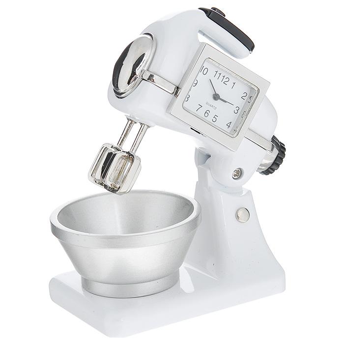 Часы настольные Миксер, цвет: белый. 2242722427Оригинальный дизайн настольных часов Миксер разработан с учетом современных тенденций оформления интерьеров. Выполненные из металлического сплава в виде кухонного миксера, эти часы, несомненно, будут привлекать к себе внимание. Часы с кварцевым механизмом работают плавно и бесшумно и требуют лишь примерно раз в год замены батарейки. На циферблате имеются часовая, минутная и секундная стрелки.Такие часы легко впишутся в любой интерьер и станут великолепным подарком! Характеристики:Материал: металл (сплав цинка), стекло.Цвет: белый.Размер часов (Д х В х Ш): 7,5 см х 8 см х 4,5 см.Размер циферблата: 2,2 см х 1,6 см. Размер упаковки: 10,5 см х 7,5 см х 7 см.Артикул: 22427.