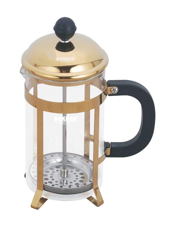 Френч-пресс Bekker De Luxe, 600 мл. BK-357BK-357Френч-пресс Bekker, выполненный из стекла, пластика и металла, практичный и простой в использовании. Засыпая чайную заварку под фильтр и заливая ее горячей водой, вы получаете ароматный чай с оптимальной крепостью и насыщенностью. Остановить процесс заварки чая легко. Для этого нужно просто опустить поршень, и заварка уйдет вниз, оставляя вверху напиток, готовый к употреблению. Современный дизайн полностью соответствует последним модным тенденциям в создании предметов бытовой техники.Высота френч-пресса: 21 см.