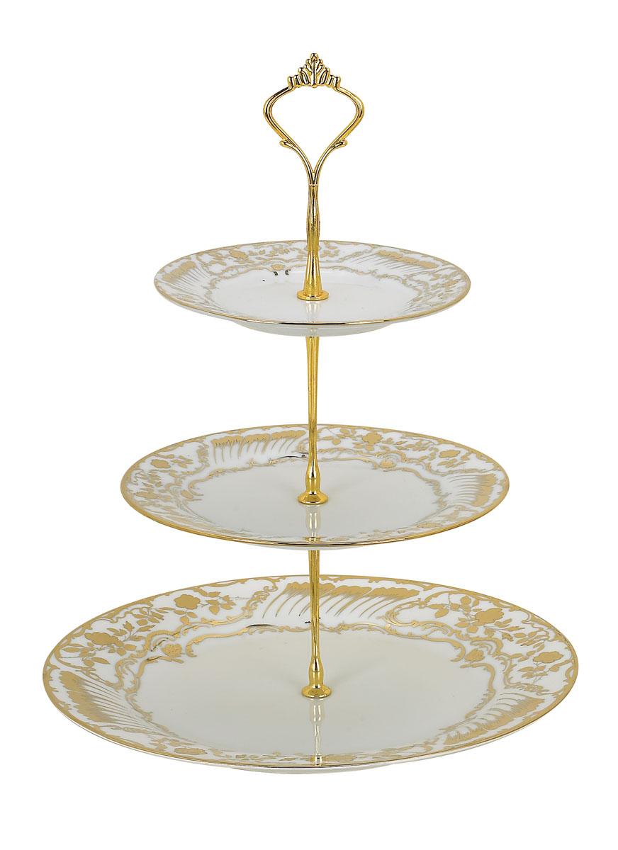 Ваза для фруктов Bekker BK-7500, 3 ярусаBK-7500Элегантная ваза Bekker, выполненная из фарфора, сочетает в себе изысканный дизайн с максимальной функциональностью. Ваза предназначена для красивой сервировки фруктов. Ярусы вазы оформлены красивым золотым узором. Держатель вазы выполнен из металла. Ваза для фруктов Bekker украсит сервировку вашего стола и подчеркнет прекрасный вкус хозяина, а также станет отличным подарком. Характеристики:Материал: фарфор, металл. Диаметр нижнего яруса: 27 см. Диаметр среднего яруса:19 см. Диаметр верхнего яруса:15 см. Размер упаковки: 27 см х 27 см х 4 см. Артикул:BK-7500.