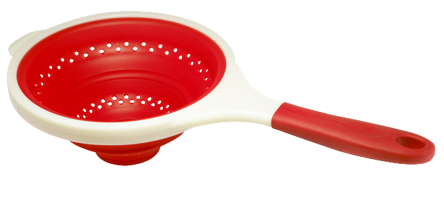 Дуршлаг Bekker, цвет: красный, 24 см. BK-9531BK-9531 красныйДуршлаг Bekker, изготовленный из высококачественного пищевого силикона, станет полезным приобретением для вашей кухни. Он идеально подходит для процеживания, ополаскивания и стекания макарон, овощей, фруктов. Дуршлаг оснащен удобной пластиковой ручкой. Силиконовая часть выдерживает температуру до +120°С. Можно мыть в посудомоечной машине. Характеристики:Материал:силикон, пластик. Диаметр:24 см. Высота: 9,5 см. Длина ручки: 19 см. Размер упаковки: 41 см х 25 см х 2,5 см.