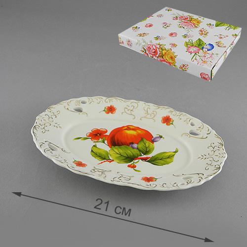 Блюдо Besko Яблоневый сад. 528-346528-346Блюдо Besko Яблоневый сад, изготовленное из фарфора, оформлено изображением яблок и цветови золотистым орнаментом.Такое блюдо сочетает в себе изысканный дизайн с максимальной функциональностью. Красочность оформления придется по вкусу тем, кто предпочитает утонченность и изящность.Оригинальное блюдо украсит сервировку вашего стола и подчеркнет прекрасный вкус хозяйки, а также станет отличным подарком. Характеристики:Материал: фарфор. Размер блюда: 21 см х 13,5 см х 3 см. Глубина блюда: 0,5 см. Артикул: 528-346.