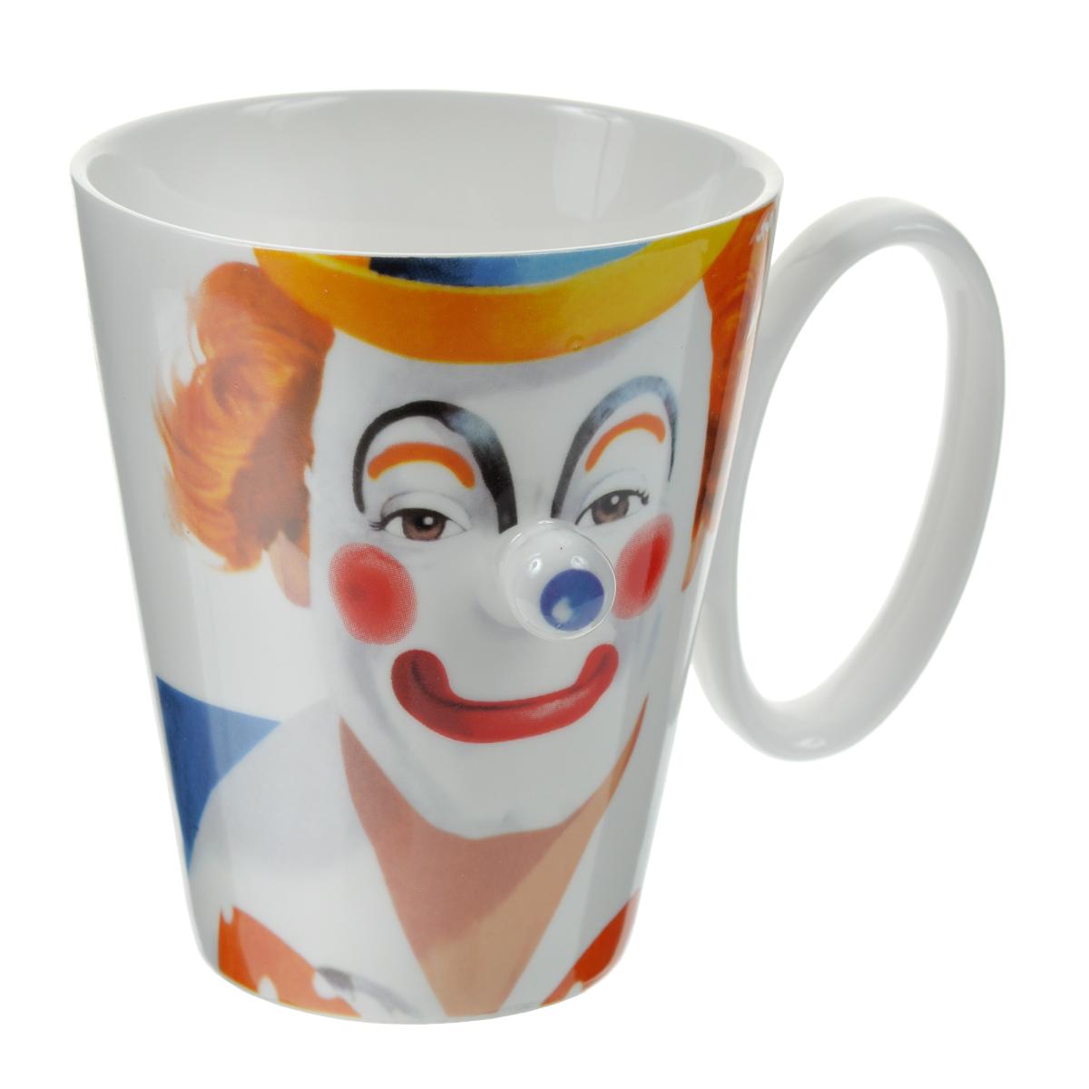 """Оригинальная кружка """"Клоун"""" выполнена из керамики и оформлена забавным изображением клоуна с выступающим синим носом. Такая кружка станет не только приятным, но и практичным сувениром.   Характеристики:  Материал:  керамика. Высота кружки:  10 см. Диаметр по верхнему краю: 8,5 см. Объем:  200 мл. Размер упаковки:  11,5 см х 9,5 см х 11 см. Артикул: 003428."""