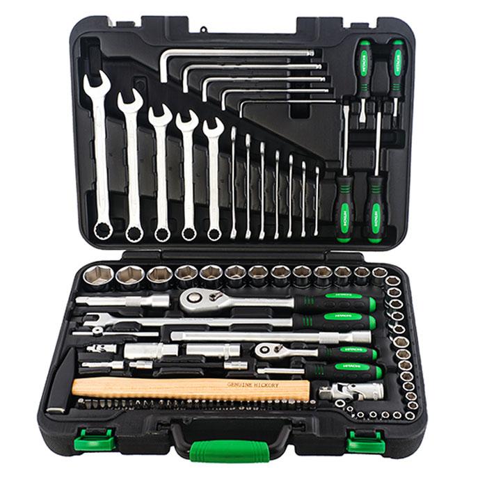 Набор ручного инструмента Hitachi, 101 предмет774012Набор ручного инструмента Hitachi - это необходимый предмет в каждом доме. Он включает в себя 101 предмет, которые умещаются в пластиковом кейсе. Это набор станет незаменимым предметом в вашем хозяйстве.В состав набора входит: торцевые головки 1/4: 4 мм, 4.5 мм, 5 мм, 5.5 мм, 6 мм, 7 мм, 8 мм, 9 мм, 10 мм, 11 мм, 12 мм, 13 мм, 14 мм; трещотка 1/4; удлинитель 1/4: 50 мм; сцепка 1/4; вороток с бегунком 1/4: 110 мм; вороток отвертка 1/4: 150 мм; гибкий удлинитель 1/4: 150 мм; адаптер 1/4; биты TORX: Т10, Т15, Т20, Т25, Т27, Т30, Т40; биты крестовые: PH0, PH1, PH2, PH3, PZ1, PZ2, PZ3; биты HEX: 2, 2.5, 3, 4, 5, 5.5, 6, 8; биты SPLINE: М5, М6, М8; биты со слотом: 3,4, 4.5, 5, 5.5, 6,7; адаптер BIT 1/4; торцевые головки 1/2: 10 мм, 11 мм, 12 мм, 13 мм, 14 мм, 15 мм, 16 мм, 17 мм, 18 мм, 19 мм, 20 мм, 21 мм, 22 мм, 23 мм, 24 мм, 27 мм, 30 мм,32 мм; трещотка 1/2; гибкая трещотка 1/2: 375 мм; удлинитель 1/2: 125 мм, 250 мм; универсальная сцепка 1/2; головки свечные 1/2: 16 мм, 21 мм; отвертки крестовые:PH2 х 100 мм, PH2 х 40 мм; отвертки плоские: 6 мм х 100 мм, 6 мм х 40 мм; гаечный ключ с шестиугольной головкой: 3 мм, 4 мм, 5 мм, 6 мм, 8 мм; комбинированные гаечные ключи: 6 мм, 7 мм, 8 мм, 9 мм, 10 мм, 11 мм, 12 мм, 13 мм, 14 мм, 15 мм, 17 мм, 19 мм; молоток: 300 г; пластиковый кейс. Характеристики:Материал: резина, пластик, сталь. Размеры упаковки: 45 см х 32,5 см х 10 см.