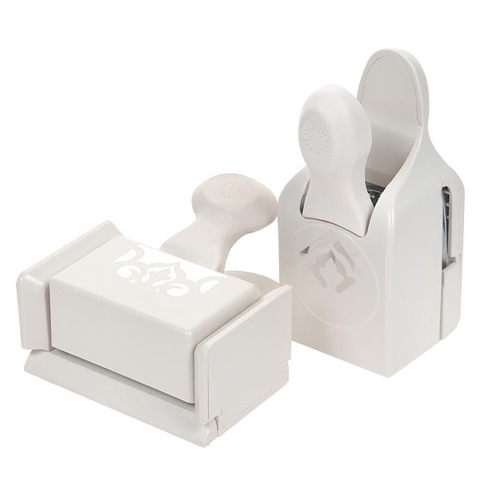 Набор фигурных дыроколов Martha Stewart Арабески, край и угол, 2 шт. EKS-42-80022EKS-42-80022Набор включает 2 фигурных дырокола Martha Stewart, которые позволяют создать фигурный край вокруг листа. Угол и край могут использоваться отдельно. Используются для создания оригинальных открыток, оформления подарков, в бумажном творчестве. Характеристики: Материал: пластик, металл. Размер малого дырокола: 4,5 см х 6 см х 10 см. Размер вырубаемой части: 3 см х 3 см. Размер большого дырокола: 11 см х 4,5 см х 10 см. Размер вырубаемой части: 5,5 см х 1,5 см. Плотность бумаги: 120-160 г/м2 (не более 2 листов одновременно). Артикул: EKS-42-80022. Производитель: США.Рекомендуемый возраст: от 3 лет.