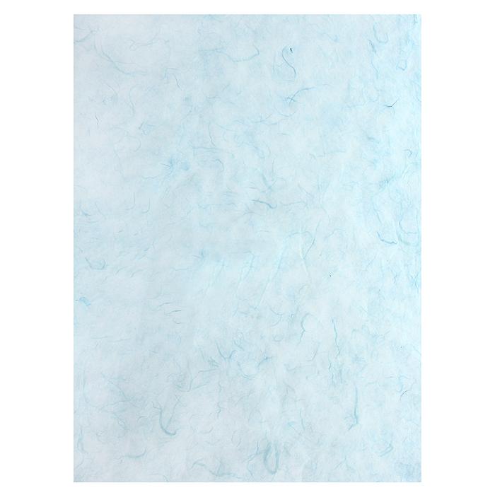 Рисовая бумага для декупажа Craft Premier Голубая, 28,2 см х 38,4 смCP05201Рисовая бумага - мягкая бумага с выраженной волокнистой структурой легко повторяет форму любых предметов. При работе с этой бумагой вам не потребуется никакой дополнительной подготовки перед началом работы. Вы просто вырезаете или вырываете нужный фрагмент, и хорошо проклеиваете бумагу на поверхности изделия. Рисовая бумага для декупажа идеально подходит для стекла. В отличие от салфеток, при наклеивании декупажная бумага практически не рвется и совсем не растягивается. Клеить ее можно как на светлую, так и на темную поверхность. Для новичков в декупаже - это очень удобно и гарантируется хороший результат. Поверхность, на которую будет клеиться декупажная бумага, подготавливают точно так же, как и для наклеивания салфеток, распечаток и т.д. Мотив вырезаем точно по контуру и замачиваем в емкости с водой, обычно не больше чем на одну минуту, чтобы он полностью впитал воду. Вынимаем и промакиваем бумажным или обычным полотенцем с двух сторон. Равномерно наносим клей на оборотную сторону фрагмента, и на поверхность предмета, с которым работаем. Прикладываем мотив на поверхность и сверху промазываем кистью с клеем легкими нажатиями, стараемся избавиться от пузырьков воздуха, как бы выдавливая их. Делать это нужно от середины к краям мотива. Оставляем работу сушиться. После того, как работа высохнет, нужно покрыть ее лаком.Декупаж - техника декорирования различных предметов, основанная на присоединении рисунка, картины или орнамента (обычного вырезанного) к предмету, и, далее, покрытии полученной композиции лаком ради эффектности, сохранности и долговечности. Характеристики:Материал: рисовая бумага. Размер: 28,2 см х 38,4 см. Плотность: 25 г/м. Артикул: CP05201.