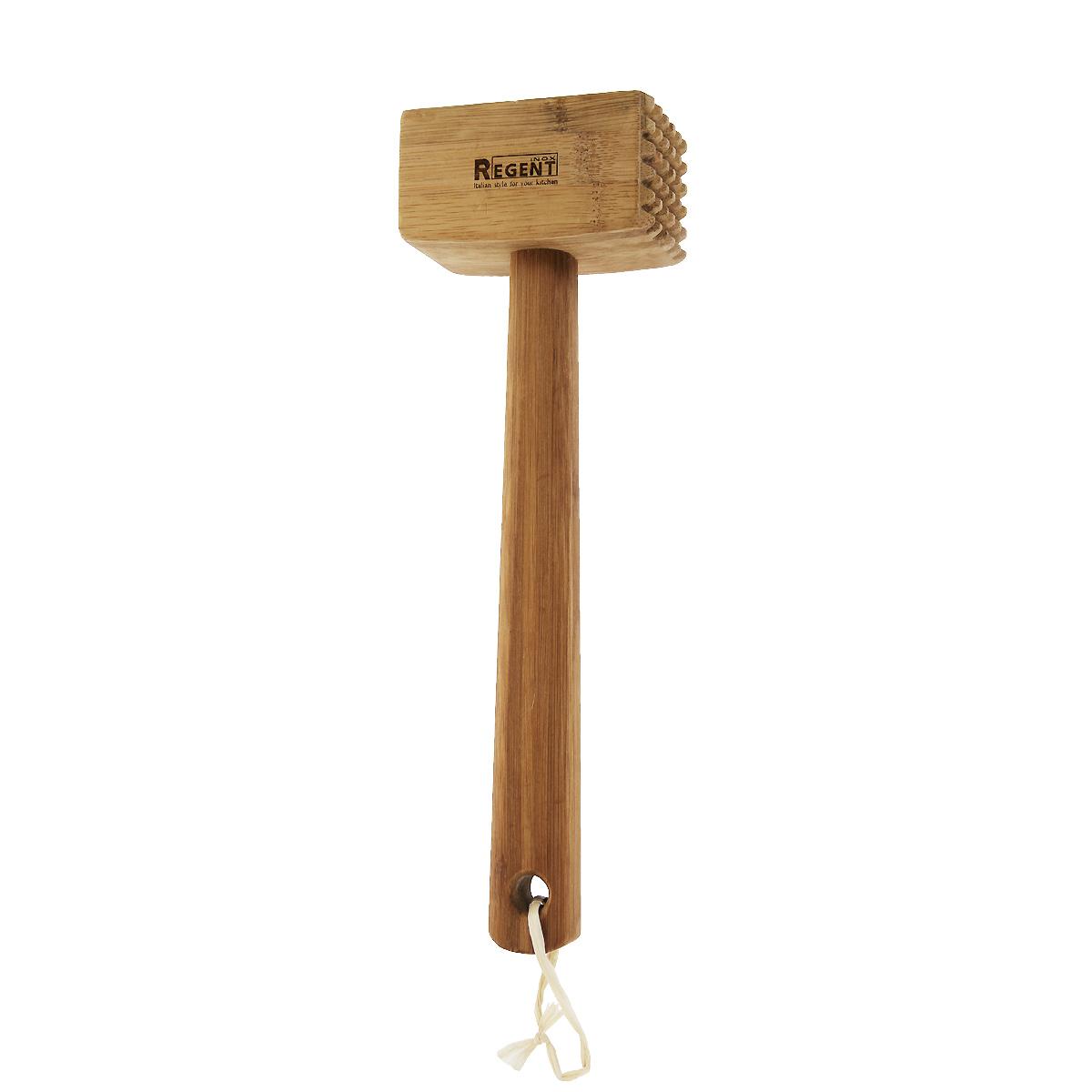 Молоток для отбивания Regent Inox93-BM-5-03Молоток для отбивания Regent выполнен из натурального бамбука. Он легче металлического молотка, но ничуть не уступает ему в ударостойкости, так как древесина бамбука обладает повышенной прочностью, а также влагонепроницаемостью. На ручке молотка имеется дырочка для подвешивания. Характеристики: Материал: дерево (бамбук). Длина молотка: 28 см. Размер рабочей поверхности: 8,5 см х 4,5 см х 4,5 см. Размер упаковки: 28 см х 8,5 см х 4,5 см. Артикул: 93-BM-5-03.