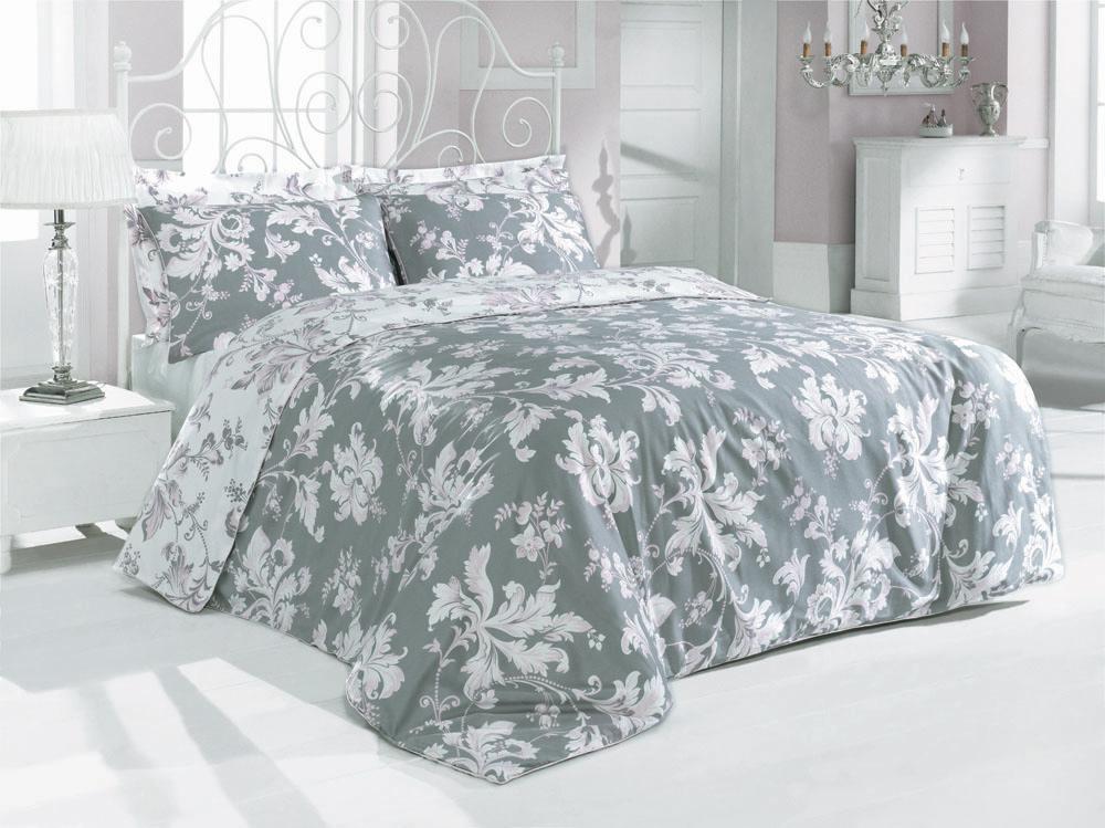 Комплект белья Rosy (1,5 спальный КПБ, сатин, 2 наволочки 50х70), цвет: серо-розовыйRosyКомплект постельного белья Rosy, изготовленный из сатина высокого качества, поможет вам расслабиться и подарит спокойный сон. Комплект состоит из одного пододеяльника, простыни и двух наволочек, оформленных изумительно нежными розовыми цветочными узорами на сером фоне. Белье сшито из сатина - блестящей и плотной ткани, которая изготавливается из крученой хлопковой нити двойного плетения, что придает ей яркость и блеск. Своими свойствами он схож с шелком и кашемиром. Сатин из египетского хлопка отличает от остальных отсутствие линта (хлопкового пуха), поэтому со временем белье не обрастает катышками! Это белье выдерживает более 300 стирок, не теряя своей первоначальной прелести и не тускнея, и его практически не нужно гладить! Благодаря такому комплекту постельного белья вы сможете создать атмосферу роскоши и романтики в вашей спальне. Характеристики: Цвет: серо-розовый. Материал: поверхностная плотность: 200ТС. состав: сатин (100% хлопок). метод нанесения рисунка: ротационный принт, гладкоокрашенная ткань. нить: 40/1 Penye (Combed). Размер упаковки: 52 см х 33 см х 7 см. В комплект входят: Пододеяльник - 1 шт. Размер: 160 см х 220 см. Простыня - 1 шт. Размер: 160 см х 240 см. Наволочка - 2 шт. Размер: 50 см х 70 см.