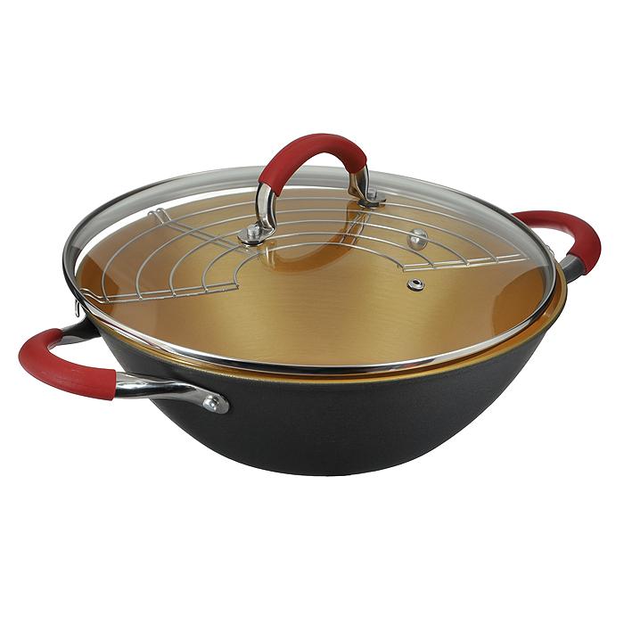 Казан чугунный Mayer & Boch с крышкой, с решеткой-барбекю, цвет: черный, золотистый, 3,2 л21401Казан Mayer & Boch, изготовленный из чугуна, идеально подходит для приготовления вкусных тушеных блюд. Он имеет внешнее черное и внутреннее золотистое керамическое покрытие. Чугун является традиционным высокопрочным, экологически чистым материалом. Причем, чем дольше и чаще вы пользуетесь этой посудой, тем лучше становятся ее свойства. Высокая теплоемкость чугуна позволяет ему сильно нагреваться и медленно остывать, а это в свою очередь обеспечивает равномерное приготовление пищи. Чугун не вступает в какие-либо химические реакции с пищей в процессе приготовления и хранения, а плотное покрытие - безупречное препятствие для бактерий и запахов. Пища, приготовленная в чугунной посуде, благодаря экологической чистоте материала не может нанести вред здоровью человека. Казан оснащен двумя удобными ручками из нержавеющей стали с ненагревающимися силиконовыми вставками. Крышка изготовлена из жаропрочного стекла и оснащена отверстием для выпуска пара и металлическим ободом. Такая крышка позволяет следить за процессом приготовления пищи без потери тепла. Она плотно прилегает к краю казана, сохраняя аромат блюд. В комплекте - решетка-барбекю.Подходит для использования на газовых, электрических, стеклокерамических, галогенных, индукционных плитах. Не предназначен для СВЧ-печей. Можно мыть в посудомоечной машине, а также использовать в духовом шкафу. Подходит для хранения пищи в холодильнике. Характеристики: Материал: чугун, керамика, силикон, стекло, нержавеющая сталь. Цвет: черный, золотистый. Объем: 3,2 л. Внутренний диаметр: 26 см. Высота стенки: 9,5 см. Толщина стенки: 0,28 см. Толщина дна: 0,4 см. Диаметр дна: 13,5 см. Размер решетки-барбекю: 27 см х 13 см. Размер упаковки: 32 см х 12 см х 28 см. Артикул: 21401.