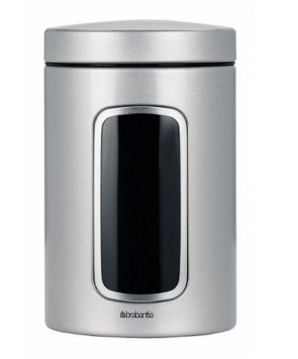 Контейнер для сыпучих продуктов Brabantia, цвет: серый металлик, 1,4 л. 243509243509Практичное решение для хранения сыпучих продуктов, позволяющее дольше сохранять их свежесть. Не пропускает запах и сохраняет свежесть – защелкивающаяся крышка. Всегда видно содержимое – окошко из антистатических материалов. Легко чистится – контейнер имеет гладкую внутреннюю поверхность. Изготовлен из коррозионностойкой крашеной или лакированной стали с защитным цинк-алюминиевым покрытием. Основание с защитным покрытием. Покрытие с защитой от отпечатков пальцев (FPP).