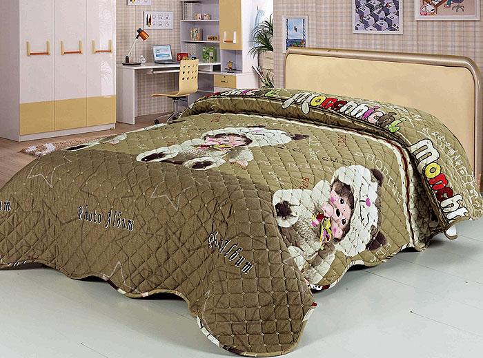 Покрывало стеганое SL, цвет: коричневый, 160 см х 220 см. 97709770Роскошное покрывало SL, выполненное из натурального хлопка, оформлено изображением милых медведей и фигурной стежкой. Края покрывала закругленные.Такое покрывало согреет в прохладную погоду и будет превосходно дополнять интерьер вашей спальни. Изделие упаковано в подарочную картонную коробку, украшенную сюжетами по мотивам картин эпохи Возрождения. Характеристики:Материал: 100% хлопок. Цвет: коричневый. Размер покрывала (Ш х Д): 160 см х 220 см. Soft Line предлагает широкий ассортимент высококачественного домашнего текстиля разных направлений и стилей. Это и постельное белье из тканей различных фактур и орнаментов, а также мягкие теплые пледы, красивые покрывала, воздушные банные халаты, текстиль для гостиниц и домов отдыха, практичные наматрасники, изысканные шторы, полотенца и разнообразное столовое белье. Soft Line - это ваш путеводитель по мягкому миру текстиля, полному удивительных достопримечательностей.