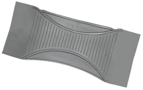 Коврик-перемычка Autoprofi Luxury, морозостойкий, цвет: серый. Размер 60 х 26 смTER-555 GYУниверсальный коврик-перемычка для заднего ряда Autoprofi Luxury изготовлен из морозостойкого термопласта-эластомера, сохраняющего эластичность до температуры -50 °С. Данный материал также отличается отсутствием характерного для резины запаха и устойчив к воздействию агрессивных веществ, таких как масло, топливо или химические реагенты.Коврик обладает высокой износостойкостью и небольшим весом, благодаря чему его несложно вытащить из салона, очистить и уложить обратно. Насечки для разреза на поверхности коврика помогают корректировать размер и форму изделия, адаптируя их под профиль багажника. Характеристики:Материал:термопласт-эластомер. Цвет:серый. Размер коврика: 60 см х 26 см х 0,5 см. Температура использования: от -50 до +50°С. Размер упаковки: 61 см х 26 см х 0,5 см.