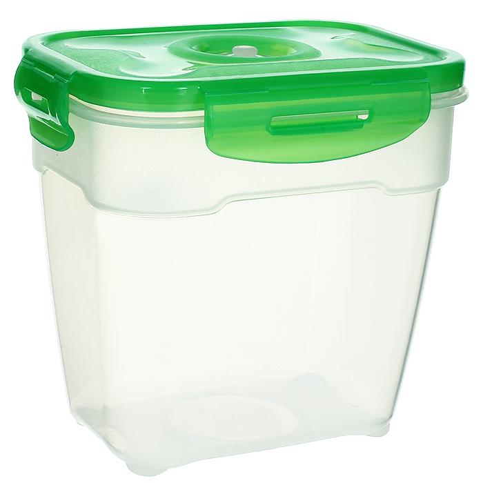 Контейнер вакуумный для пищевых продуктов Atlantis, цвет: зеленый, 1,4 лVS2R-23-GКонтейнер Atlantis прямоугольной формы предназначен для хранения пищевых продуктов. Контейнер изготовлен из пищевого пластика, в состав которого включена антибактериальная добавка Microban. Microban, встроенный в структуру пластика, препятствует размножению микроорганизмов, уничтожает до 99,6% бактерий, находящихся на поверхности изделия.Сила межмолекулярных связей внутри полимера удерживает антисептик на поверхности и он не распространяется в сохраняемый продукт.Не изменяет вкусовых свойств хранимых в контейнере продуктов, препятствует размножению болезнетворных бактерий, сохраняет антибактериальные свойства в течение всего срока использования контейнера.Продукты сохраняются свежими дольше, чем в обычных контейнерах.Позволяет предотвратить загрязнение и неприятный запах, вызываемый бактериями, грибком и плесенью. Продукты в вакуумном контейнере можно ставить в морозилку или разогреватьв микроволновой печи, не снимая при этом крышку контейнера.Состояние вакуума достигается в контейнере с помощью вакуумного насоса.Контейнер универсален, вы сможете хранить, замораживать, разогревать самыеразнообразные продукты. Характеристики:Материал: пластик. Объем контейнера: 1,4 л. Размер контейнера (с крышкой): 16 см х 12 см х 15 см. Артикул: VS2R-23-G.