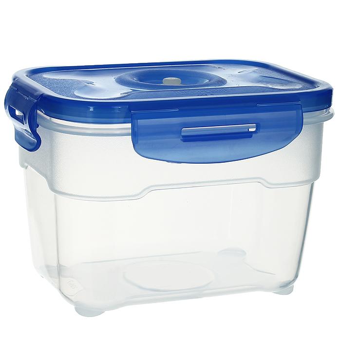 Контейнер вакуумный для пищевых продуктов Atlantis, цвет: синий, 1 лVS2R-22Контейнер Atlantis прямоугольной формы предназначен для хранения пищевых продуктов. Контейнер изготовлен из пищевого пластика, в состав которого включена антибактериальная добавка Microban. Microban, встроенный в структуру пластика, препятствует размножению микроорганизмов, уничтожает до 99,6% бактерий, находящихся на поверхности изделия.Сила межмолекулярных связей внутри полимера удерживает антисептик на поверхности и он не распространяется в сохраняемый продукт.Не изменяет вкусовых свойств хранимых в контейнере продуктов, препятствует размножению болезнетворных бактерий, сохраняет антибактериальные свойства в течение всего срока использования контейнера.Продукты сохраняются свежими дольше, чем в обычных контейнерах.Позволяет предотвратить загрязнение и неприятный запах, вызываемый бактериями, грибком и плесенью. Продукты в вакуумном контейнере можно ставить в морозилку или разогреватьв микроволновой печи, не снимая при этом крышку контейнера.Состояние вакуума достигается в контейнере с помощью вакуумного насоса.Контейнер универсален, вы сможете хранить, замораживать, разогревать самыеразнообразные продукты. Характеристики:Материал: пластик. Объем контейнера: 1 л. Размер контейнера (с крышкой): 16 см х 12 см х 11 см. Артикул: VS2R-22.