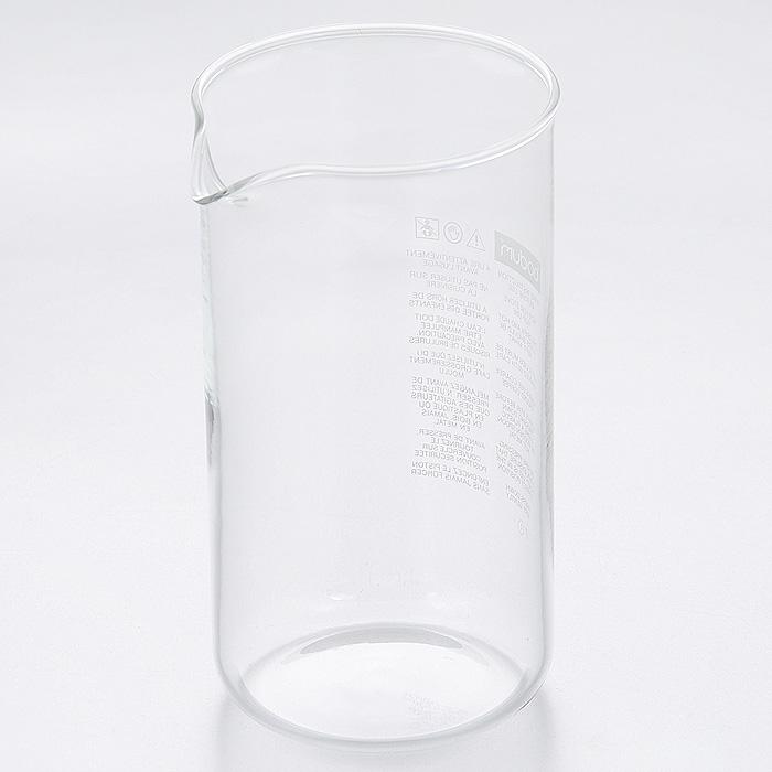 """Колба для кофейников """"Bodum"""" изготовлена из прозрачного боросиликатного стекла. Выдерживает высокие температуры, подходит для посудомоечных машин и не мутнеет при многократном мытье.     Характеристики:  Материал: боросиликатное стекло. Объем колбы: 0,35 л. Высота колбы: 13 см. Диаметр колбы по верхнему краю (без учета носика): 7 см. Размер упаковки: 7,5 см х 7,5 см х 14 см. Артикул: 1503-10."""