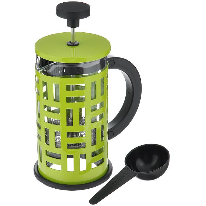 Кофейник Bodum Eileen с прессом, с ложечкой, цвет: зеленый, 0,35 л11198-Кофейник Bodum Eileen представляет собой колбу из термостойкого стекла в цельной оправе из окрашенной нержавеющей стали. Оправа защищает хрупкую колбу от толчков и ударов. Кофейник оснащен стальным фильтром french press, который позволяет легко и просто приготовить отличный напиток. Ненагревающаяся ручка кофейника выполнена из пластика. В комплекте небольшая мерная ложечка из черного пластика.Благодаря такому кофейнику приготовление вкуснейшего ароматного и крепкого кофе займет всего пару минут. Профессиональная серия Eileen была задумана и создана в честь великого архитектора и дизайнера - Эйлин Грей (Eileen Gray). При создании серии были особо учтены соображения функционального удобства. Стильный внешний вид и практичность в использовании сделали Eileen чрезвычайно востребованной серией. Характеристики:Материал: нержавеющая сталь, пластик, стекло. Цвет: зеленый. Объем: 0,35 л. Диаметр кофейника по верхнему краю: 7 см. Высота стенки кофейника: 13,5 см. Длина ложечки: 10 см. Размер упаковки: 12,5 см х 8,5 см х 12 см. Артикул: 11198-.