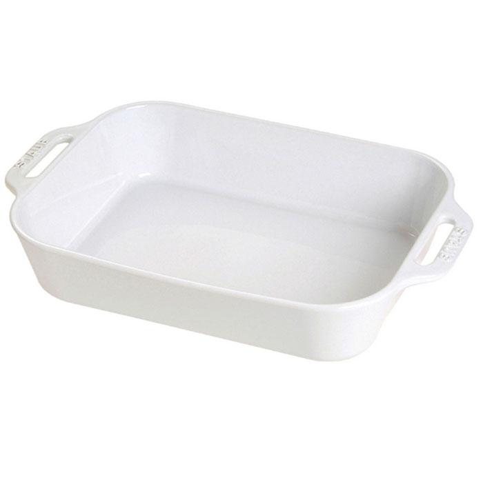 Форма прямоугольная керамическая Staub, цвет: белый, 27 х 20 х 6,5 см40511-146Прямоугольная форма Staub изготовлена из керамики, покрытой эмалью из стеклянного порошка. Не содержит свинца. Она отлично подойдет для приготовления и подачи на стол разнообразных запеканок, кексов и пирогов. Подходит для использования в духовке, гриле и микроволновой печи, может использоваться для сервировки. Нельзя использовать на открытом огне. Можно помещать в морозильную камеру, но не ставить керамическую посуду из морозильной камеры сразу в горячую духовку. Можно мыть в посудомоечной машине или вручную, используя губку. Сушить вверх дном. Максимальная и минимальная температура использования: +300°С/-20°С.
