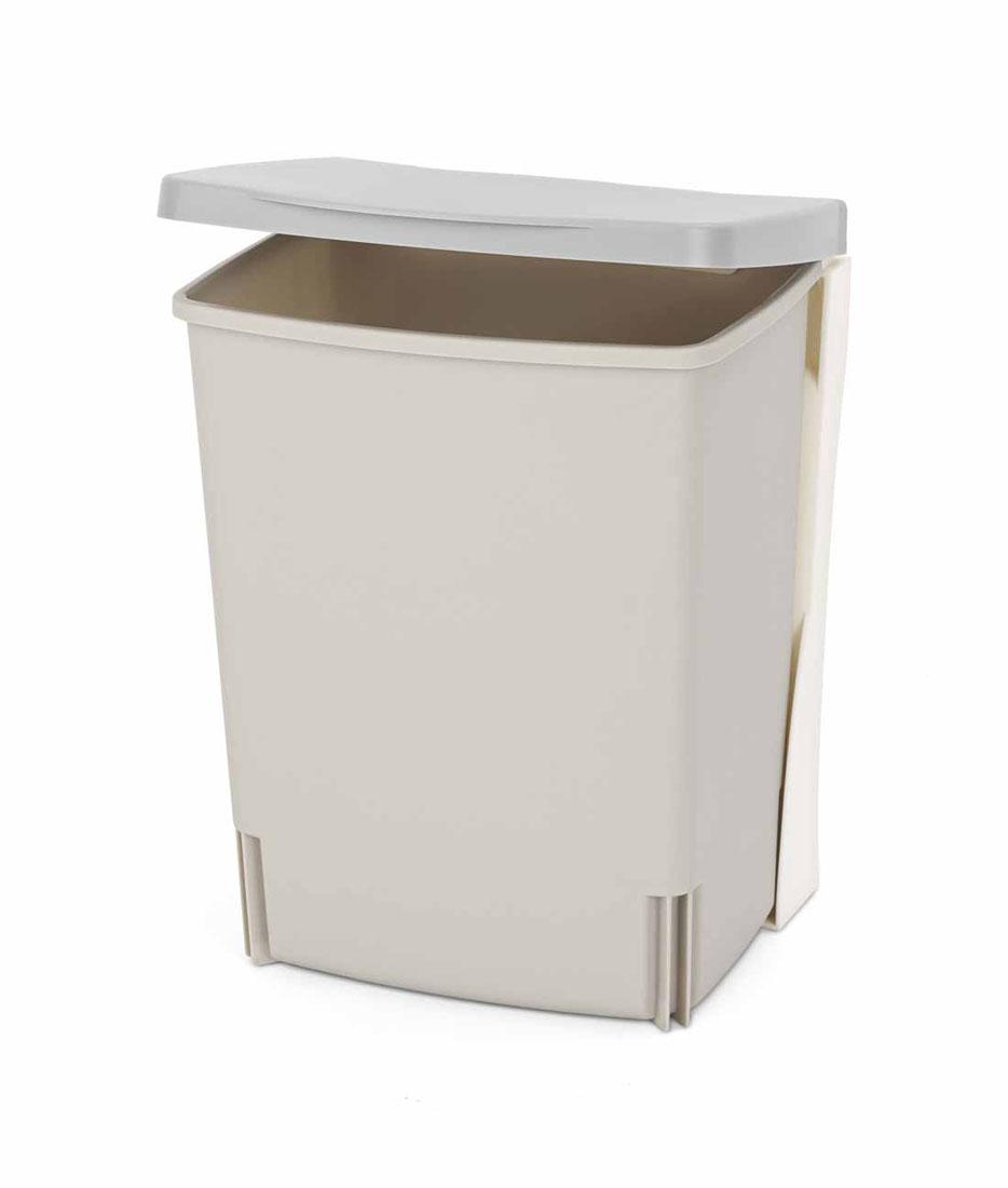 Бак мусорный Brabantia, встраиваемый, цвет: серый, 10 л. 482281482281Бак идеально подходит для использования в помещениях с повышенной влажностью (ванная комната, кухня и т.д.). Изготовлен из высококачественного пластика. Оптимальное сочетание цена-качество. Удобная очистка и использование – ведро легко устанавливается на кронштейн и снимается с него. Всегда опрятный вид – идеально подходящие по размеру мешки для мусора PerfectFit (размер С).
